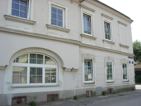 Alte Landstraße 10
