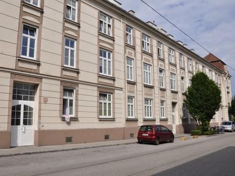 August Hassack-Straße 16-22
