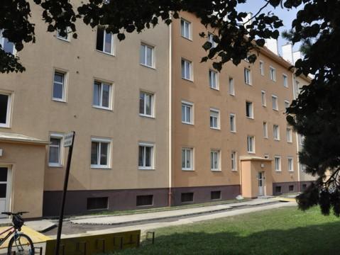 Maria Emhart-Straße 10