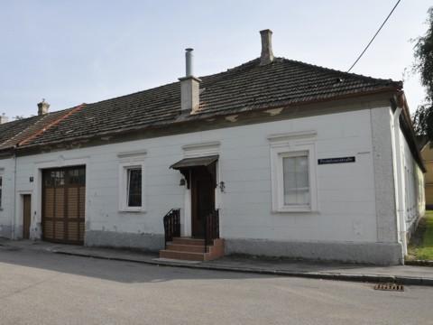 Pestalozzistraße 30